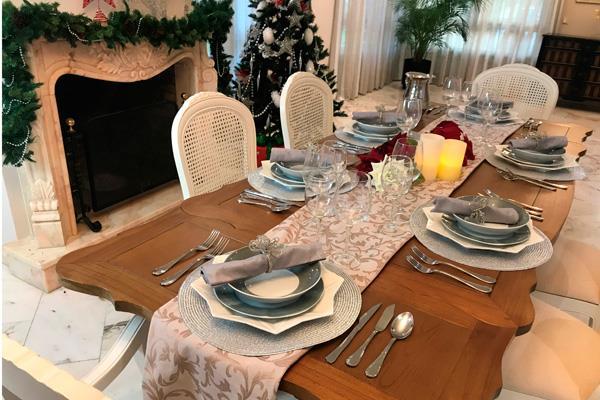 ¿Aún no sabes cómo decorar la mesa en Navidad?
