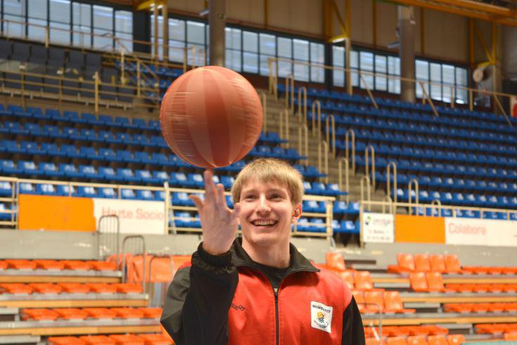 Conocemos de primera mano a Víctor Moreno, una de las mayores promesas de nuestro baloncesto