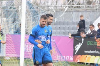 El gol de penalti del delantero mantiene vivo, otra jornada más, el sueño de los Play Off