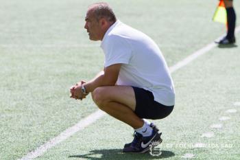 El técnico serbio deja de ser entrenador azulón tras diez jornadas