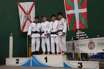 Los jóvenes yudocas también obtuvieron buenos resultados en el  Open nacional infantil y cadete de Villaviciosa de Odón