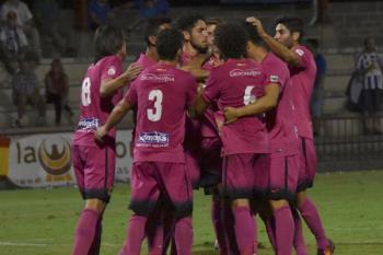 El equipo de Antonio Calderón se mostró sólido y contundente ante los toledanos