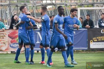 El conjunto azulón superó a un combativo Zamudio y está un pasito más cerca de disputar los Play Off por el ascenso