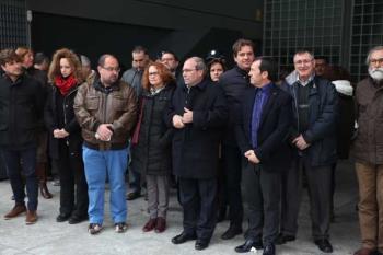Toda la Corporación Municipal ha querido reunirse para mostrar su  rechazo y repulsa al terrorismo