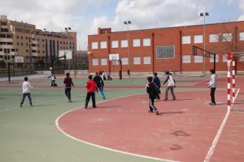 El objetivo es que casas de niños, escuelas infantiles y colegios de Infantil y Primaria tengan sus patios en un estado óptimo