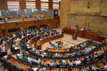 Los diputados regionales han aprovechado la Asamblea para protagonizar un intercambio de reproches