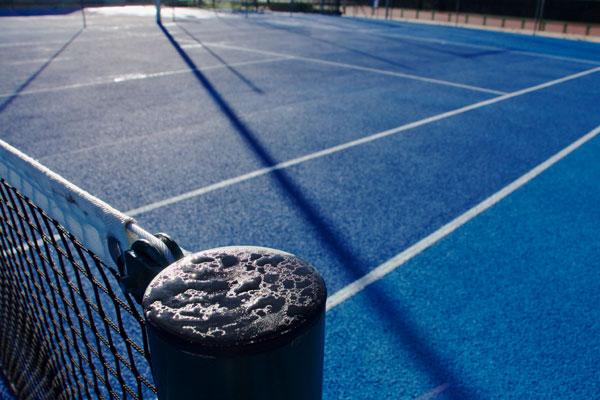 Tras la reforma de las pistas de tenis de los Polideportivos La Cueva y Loranca, la Concejalía de Deportes da por concluidas las obras de mejora de estas instalaciones