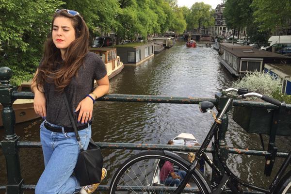 Septiembre nos lleva hasta Amsterdam, en Holanda, con Ana Román